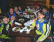 Kids having lunch in Faraya