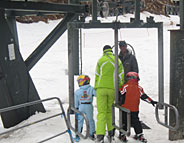 Kids with ski instructor in Faraya