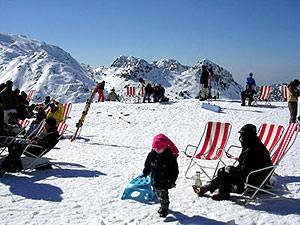 Laqlouq Village Vacances ski resort Lebanon by SKILEB.com