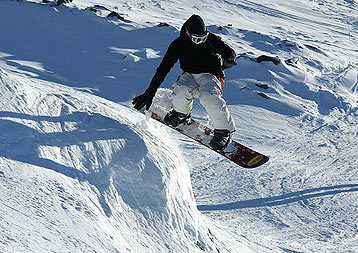 How to build a snowboard kicker in ski Lebanon