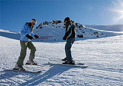 Taking ski lessons in Lebanon by SKILEB.com
